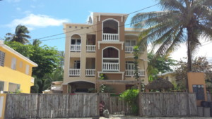 SURFER HOUSE & LA VILLA (Aguada,PR)